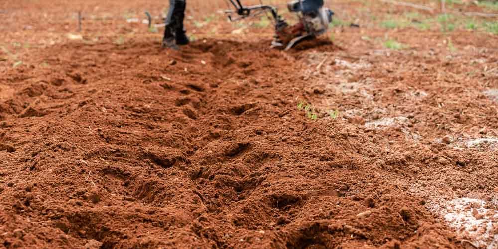 Προετοιμασία εδάφους για καλλιέργεια