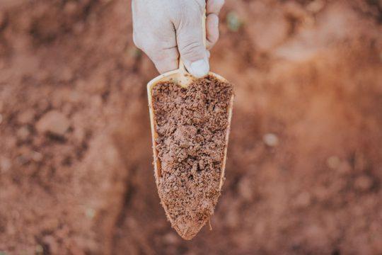 Πώς γίνεται η ανάλυση εδάφους και σε τι χρησιμεύει